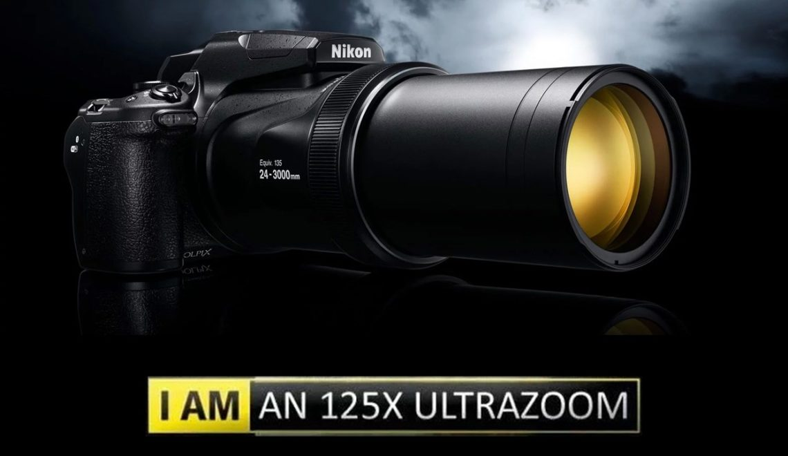 """ניקון משיקה מצלמה קומפקטית עם עדשה באורך מוקד 3000 מ""""מ"""
