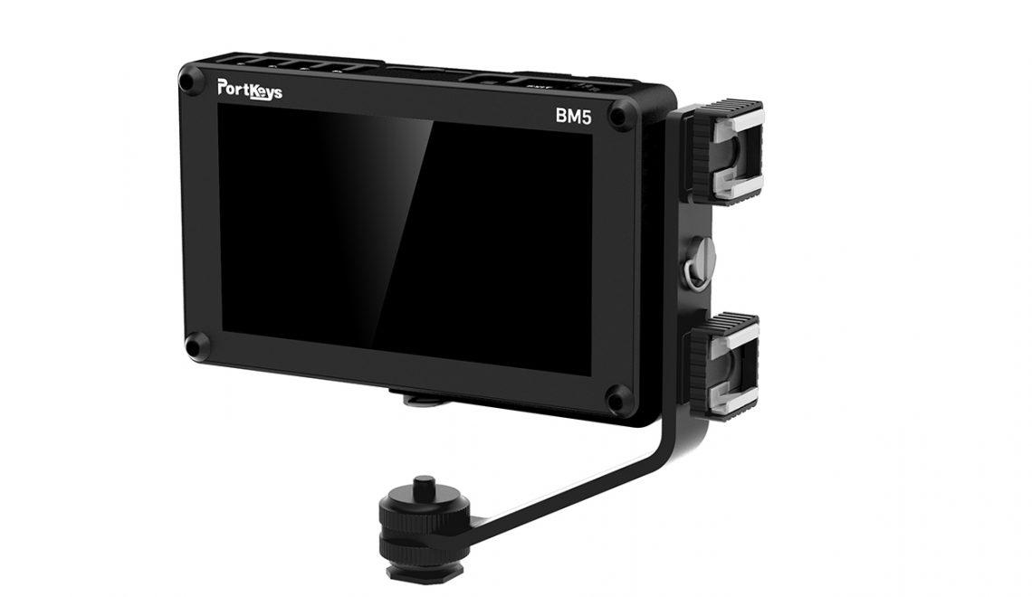 מוניטור נייד המאפשר שליטה על המצלמה