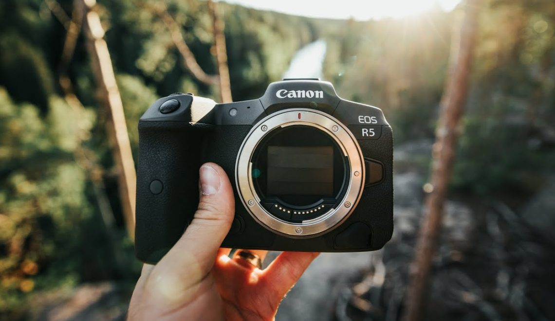 סקירה מצלם של מצלמת EOS R5